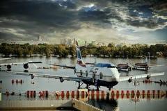 flygplan drunknar vatten Arkivbild