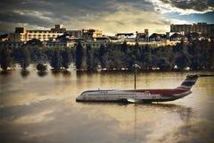 flygplan drunknar vatten Arkivfoton