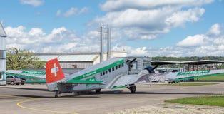 Flygplan för bilskrällen Ju-52 Arkivfoton