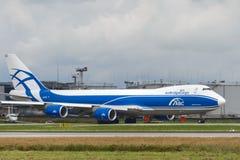 Flygplan för Boeing 747-8F laststråle Royaltyfria Bilder