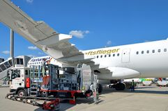 Flygplan för flygbuss A321-200 från Lufthansa, som har namngetts `-Fanhansa Mannschaftsflieger `, Arkivfoto