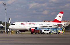 Flygplan för flygbuss A319-100 för OE-LDB Austrian Airlines på parkeringsområdet arkivbild