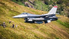 Flygplan för jaktflygplan F16 Royaltyfri Bild