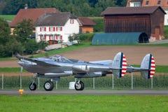 Flygplan för kämpe för krig för Lockheed P-38 blixtvärld II fungerings av flygatjursamlingen fotografering för bildbyråer