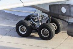 Flygplan för landningkugghjul Royaltyfri Bild