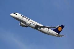 Flygplan för Lufthansa flygbuss A320 Arkivfoton