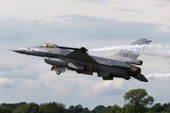 Flygplan för stråle för kunglig nederländsk falk för flygvapenKoninklijke Luchtmacht General Dynamics F-16AM stridighet militärt  Royaltyfri Bild