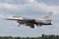 Flygplan för stråle för kunglig nederländsk falk för flygvapenKoninklijke Luchtmacht General Dynamics F-16AM stridighet militärt  Arkivfoto