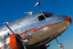 Flygplan för tappning DC-3 Fotografering för Bildbyråer