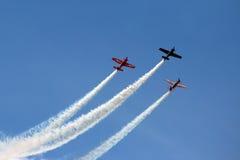 3 flygplan i bildande royaltyfri bild