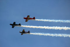 3 flygplan i bildande royaltyfri fotografi