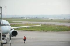Flygplan i förberedelse Royaltyfri Bild