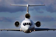 Flygplan i flykten Royaltyfria Bilder