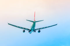 Flygplan i luften Royaltyfri Bild
