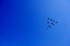 Flygplan i luften Fotografering för Bildbyråer