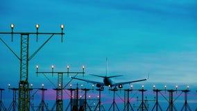 Flygplan i solnedgång stock video