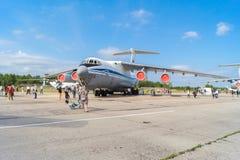 Flygplan IL-76MD på den öppna dagen på flygplatsen Migalovo Royaltyfri Bild