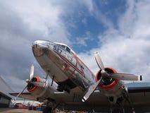 Flygplan med dubbelpropellrar royaltyfri foto