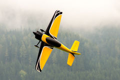 Flygplan - modell Aircraft - konstflygning för låg vinge Fotografering för Bildbyråer