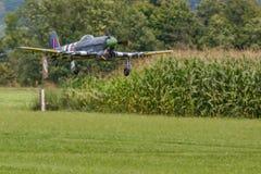 Flygplan - modell Aircraft - konstflygning för låg vinge Royaltyfri Foto