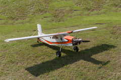 Flygplan - modell Aircraft - konstflygning för låg vinge Royaltyfri Bild