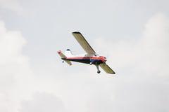 Flygplan - modell Aircraft - konstflygning för låg vinge Royaltyfria Foton