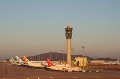 Flygplan på ICN Incheon för internationell flygplats i Seoul, Sydkorea Arkivfoton