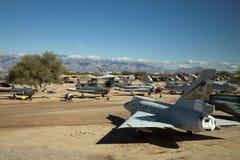 Flygplan på Pima luft och utrymmemuseet Royaltyfri Bild