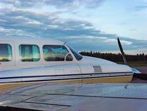 Flygplan Piper Navajo Arkivfoto