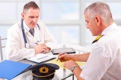 Aeromedical examen arkivbild