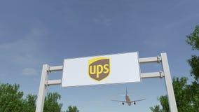 Flygplan som flyger över advertizingaffischtavlan med den United Parcel Service UPS logoen Redaktörs- tolkning 3D Royaltyfri Foto