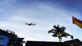 Flygplan som ska landas Royaltyfria Foton