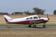Flygplan VH-DYA för enkel motor för musketör för bokträd A23-24 ljust arkivfoton