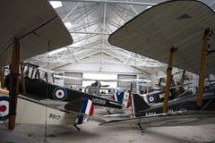 Flygplan WW1 i hängare Royaltyfri Fotografi