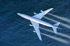 flygplanbarn som tecknar passagerare s Royaltyfri Bild