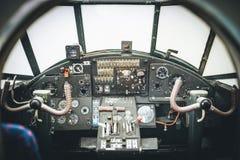 Flygplancockpit Kontrollbord av en aircraf Arkivbild