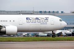 Flygplanet Boeing 767 av EL AL flygbolag Arkivbilder