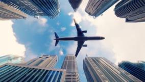 Flygplanet flyger över moderna megapolis på soluppgång i ultrarapid stock illustrationer