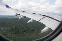 Flygplanet landar på Kuala Lumpur Fotografering för Bildbyråer