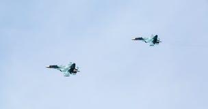 Flygplanferie, demonstrationskapaciteter av militära piloter Royaltyfri Bild