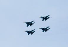 Flygplanferie, demonstrationskapaciteter av militära piloter Arkivfoton