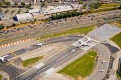 flygplanflygplatslandningsbana Arkivfoton