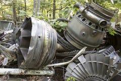 Flygplanmotordelar som rostar i skrot Arkivbild