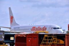 Flygplansändnings i den Vietnam Saigon flygplatsen Royaltyfri Foto