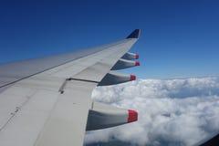 Flygplanvinge och motor Arkivbilder