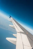 Flygplanvinge ut Arkivfoto