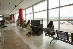 Flygplats av den Prague inre Royaltyfri Bild