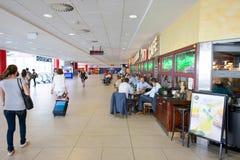 Flygplats av den Prague inre Fotografering för Bildbyråer