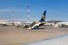 Flygplats - flygplandetalj Royaltyfri Foto