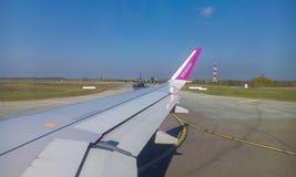 Flygplats - flygplandetalj Royaltyfri Fotografi